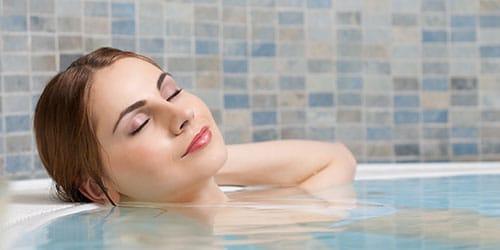 к чему снится принимать ванну