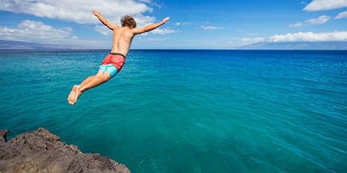 к чему снится прыгать в воду с высоты