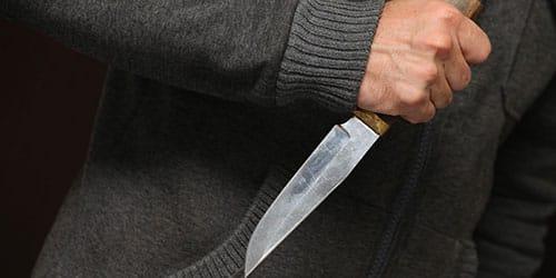 убивать людей ножом во сне