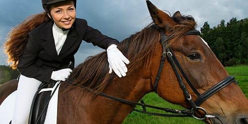к чему снится ехать верхом на коне