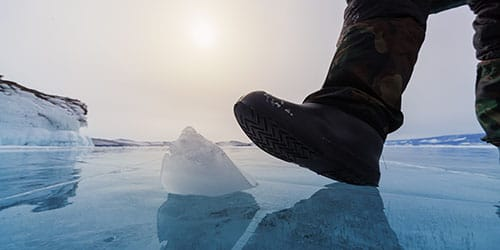идти по льду во сне