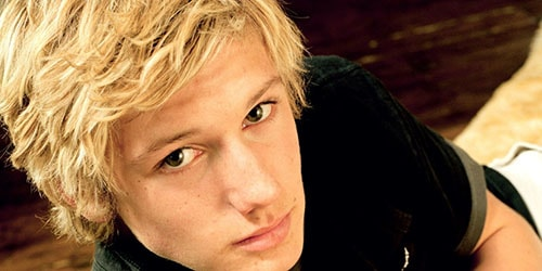 к чему снится парень блондин