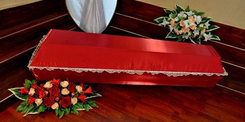 видеть во сне закрытый красный гроб