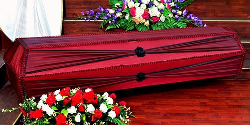 к чему снится красный гроб