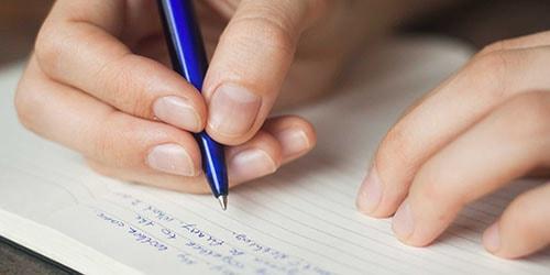 писать на бумаге ручкой во сне