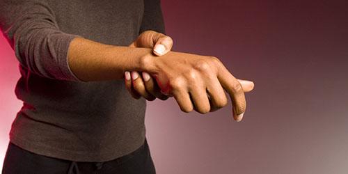 видеть раненую руку во сне