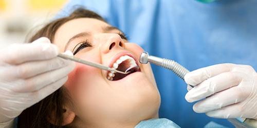сверлить зубы у стоматолога во сне
