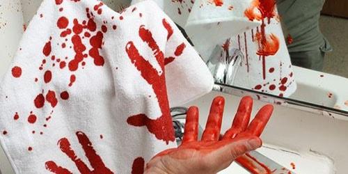 к чему снится испачкать кровью белье