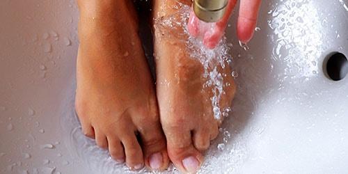 мыться в ванне