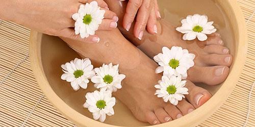 мыть ноги в чистой воде во сне