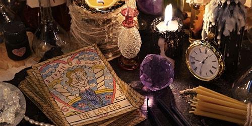 проводить колдовской ритуал во сне