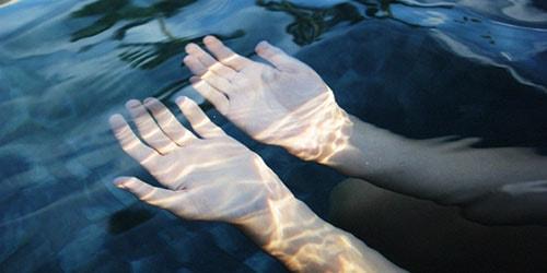 к чему снится купаться в тухлой воде