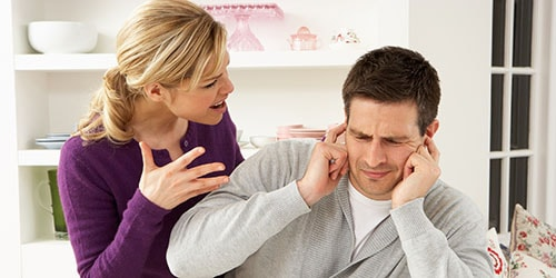 выгонять мужа из дома во сне