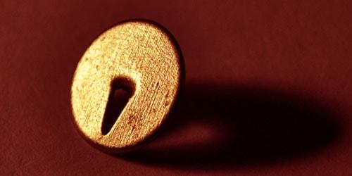 железная кнопка