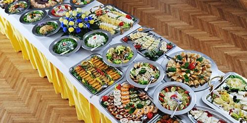 видеть во сне много столов с едой