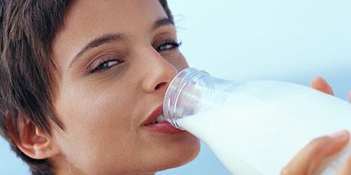 к чему снится пить молоко из бутылки