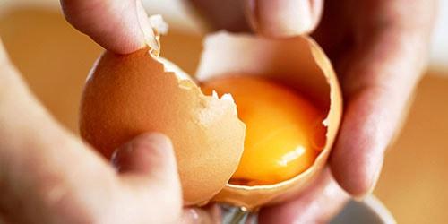 пить сырые яйца во сне