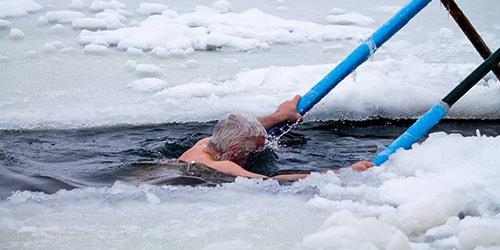 нырять в холодную воду