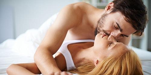 к чему снится секс со знакомым мужчиной