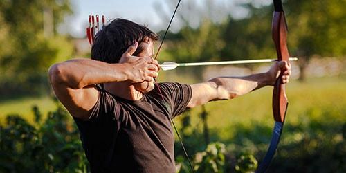 стрелять из лука стрелами во сне