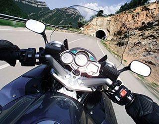 Ехать на мотоцикле