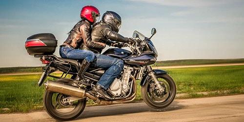 кататься на мотоцикле