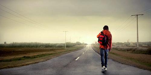 идти вдоль дороги во сне