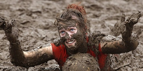 испачкаться в грязи во сне