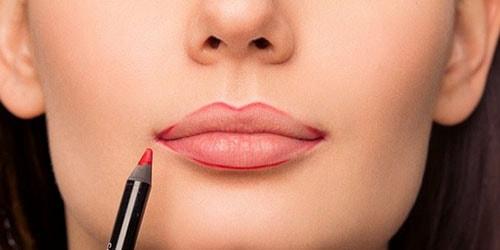 к чему снится красить губы перед зеркалом