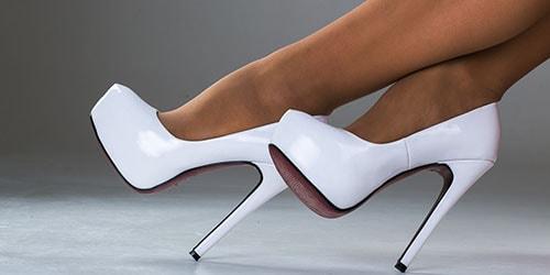 видеть во сне белую обувь на ногах