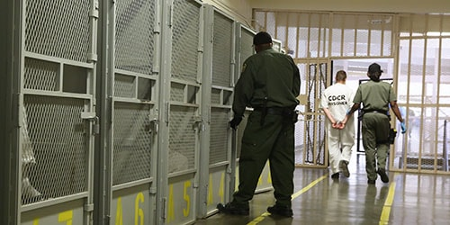 к чему снится освобождение из тюрьмы