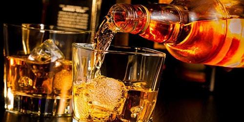 пить виски во сне