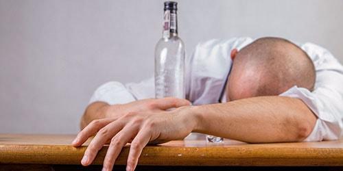 к чему снится покойный пьяный муж