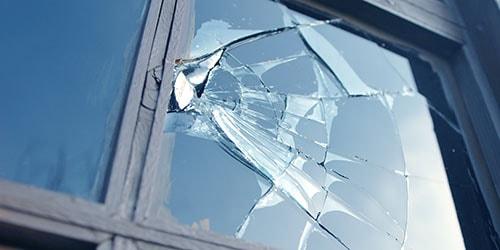 видеть во сне разбитое окно