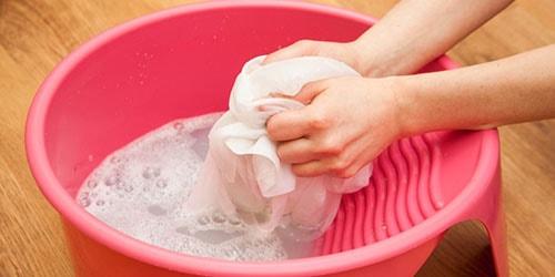 стирать белье руками во сне