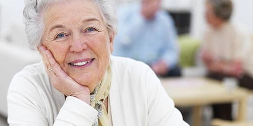 к чему снится пожилая женщина в белом одеянии