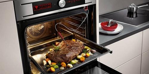 запекать мясо