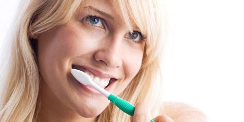 к чему снится чистить грязные зубы