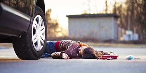 к чему снится попасть под машину