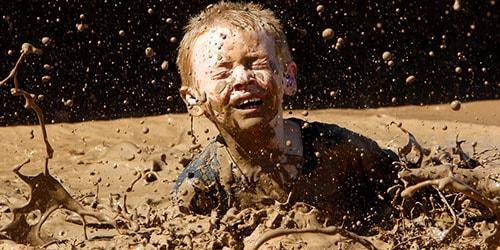 к чему снится что ребенок тонет в грязи