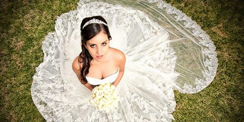 жена в свадебном платье во сне