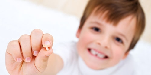 выпаў малочны зуб