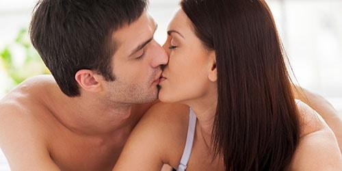 целоваться с мужем в губы во сне