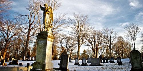 сонник видеть могилу знакомого