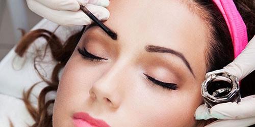 к чему снится красить брови краской