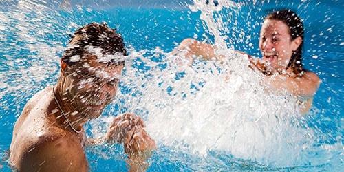 к чему снится купаться в воде с мужчиной