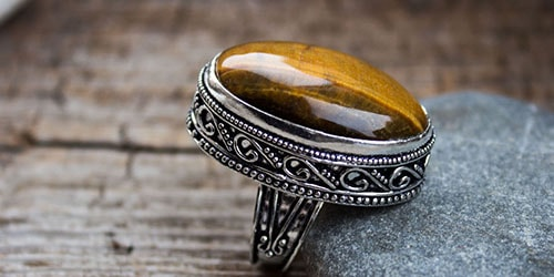 к чему снится старинный перстень с камнем