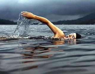 Плыть по воде