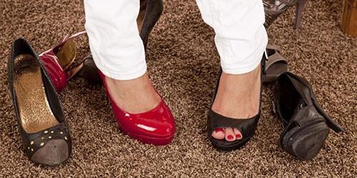 Если снится что одела разную обувь