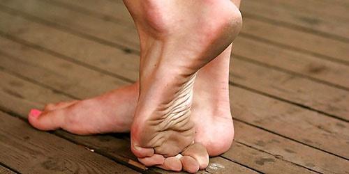 грязные ступни